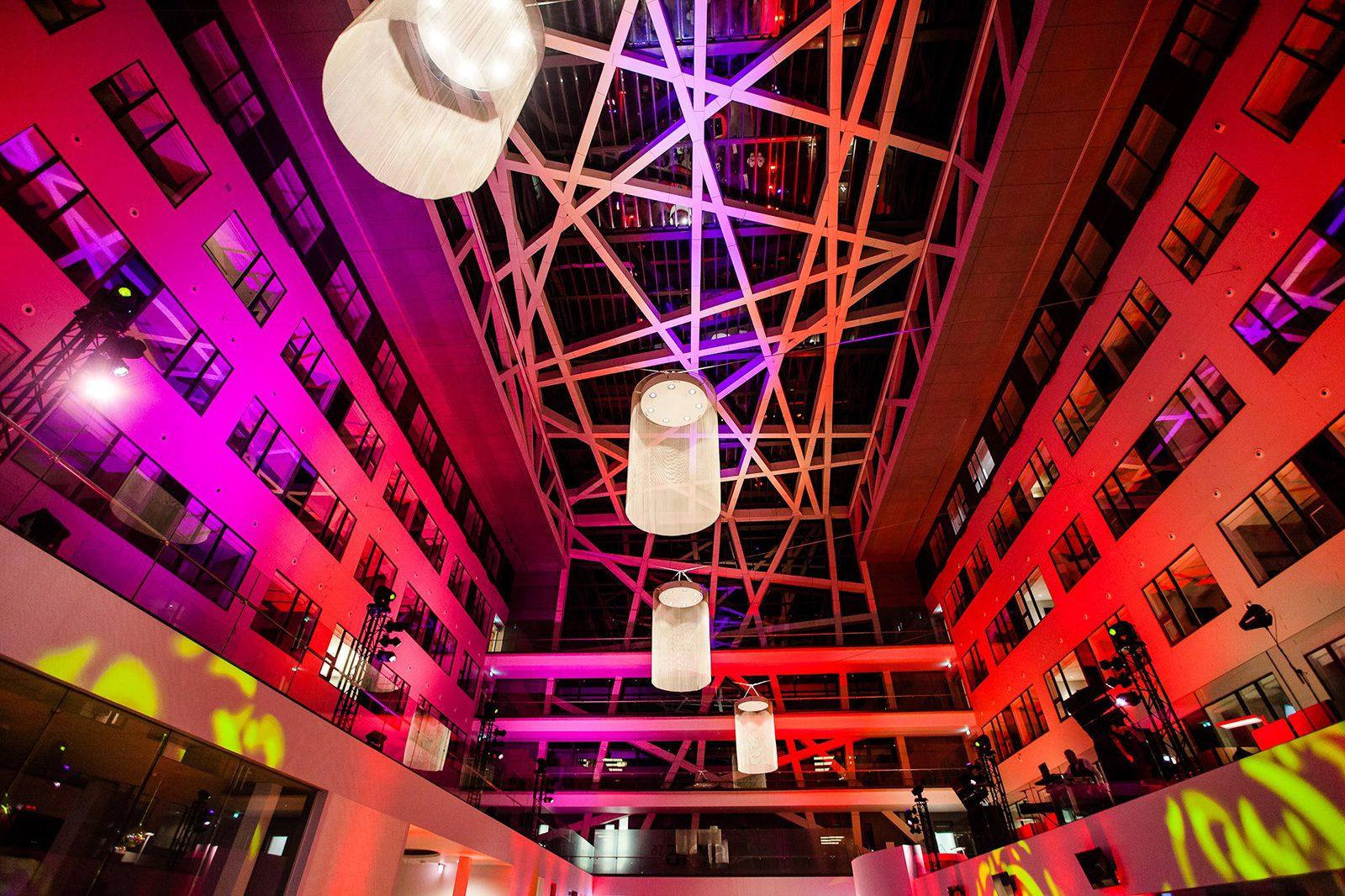 Onze CLF Ares spots zorgden voor een mooie egale verlichting van het nieuwe gebouw.